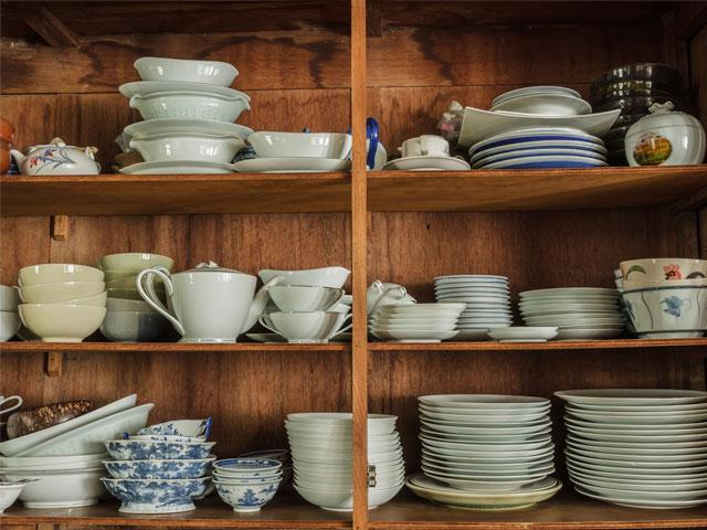 old-dishes-cabinet_si.jpg