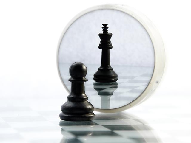 pawn-king-chessboard_si.jpg