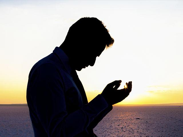 prayer-silhouette