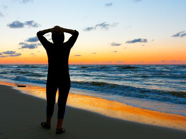 relax-beach-silhouette_si.jpg