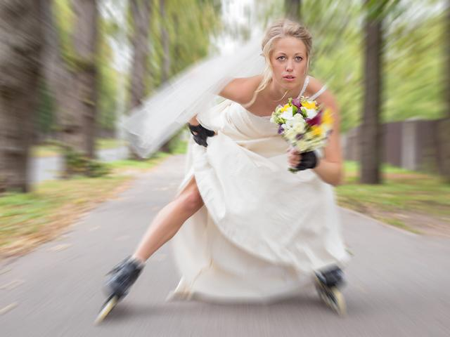runaway-bride-skates_si.jpg