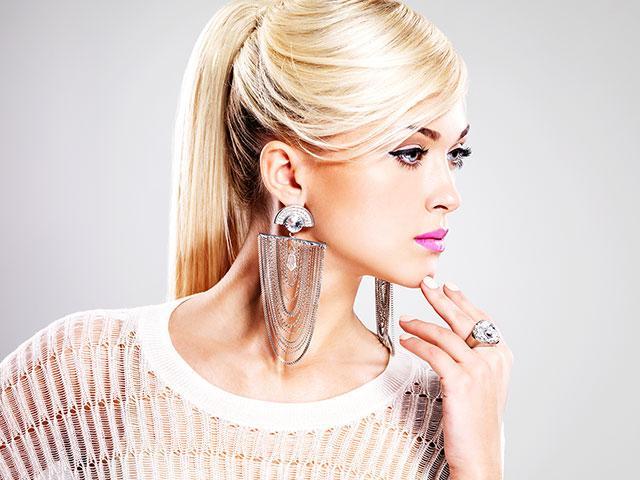 silver-jewelry-woman_si.jpg