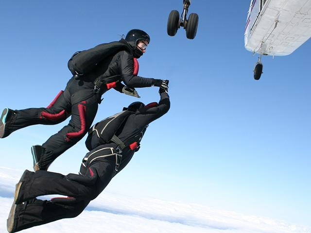 http://www.cbn.com/images8/skydiving-plane-people_SI.jpg