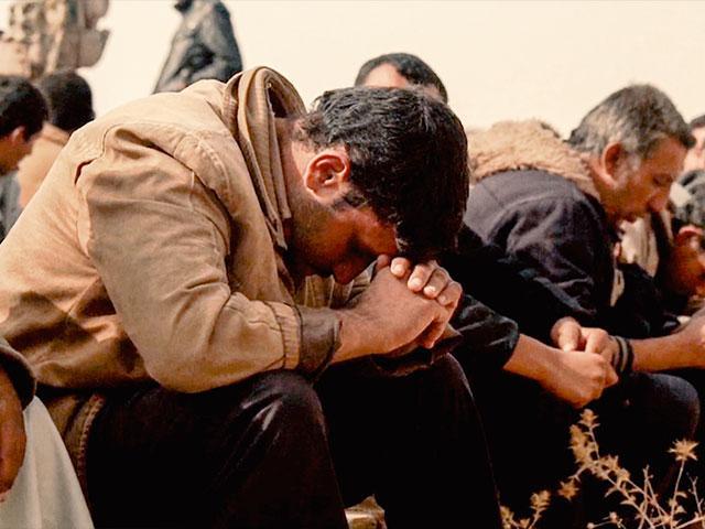 syrianrefugeepraying