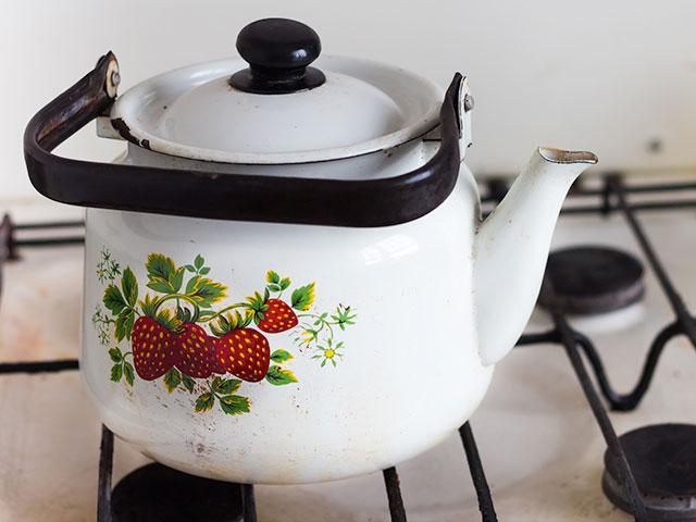 tea-kettle-stove