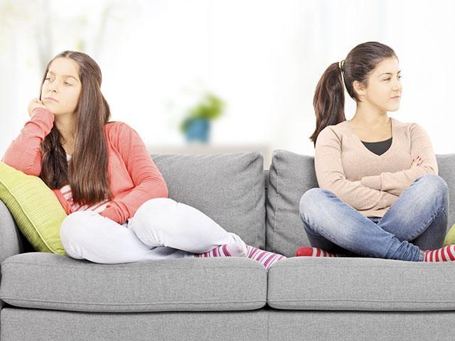teen-girls-argument