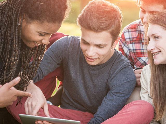 Teens talk at high school about faith