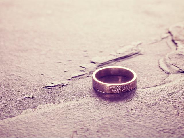 wedding-ring-pavement_SI.jpg