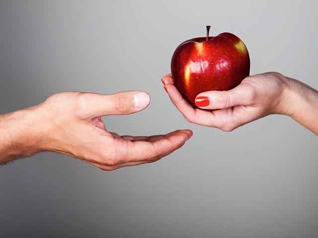 woman_apple