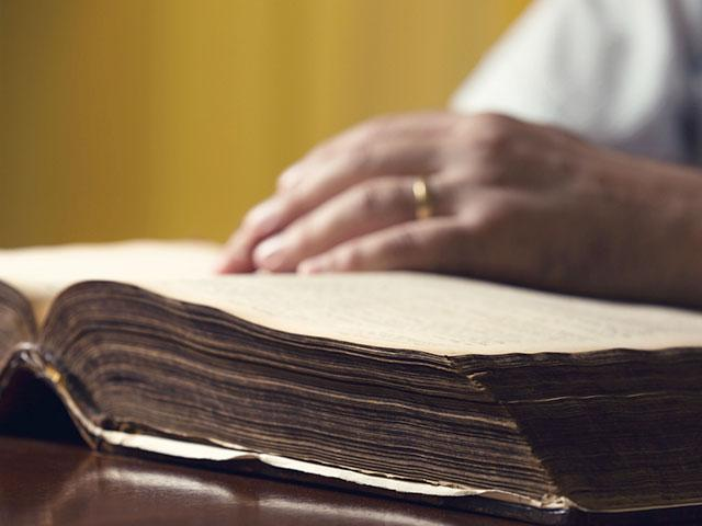 The Major Divisions of the Old Testament | CBN com