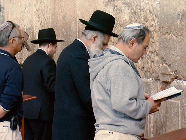 Israel Embraces Exodus Passover Story as Anchor Amid'Corona Plague'
