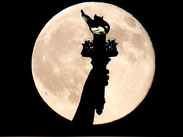 Once In A Blue Moon 2020 Brings A Rare Halloween Blue Moon 2 Supermoons And More Cbn News