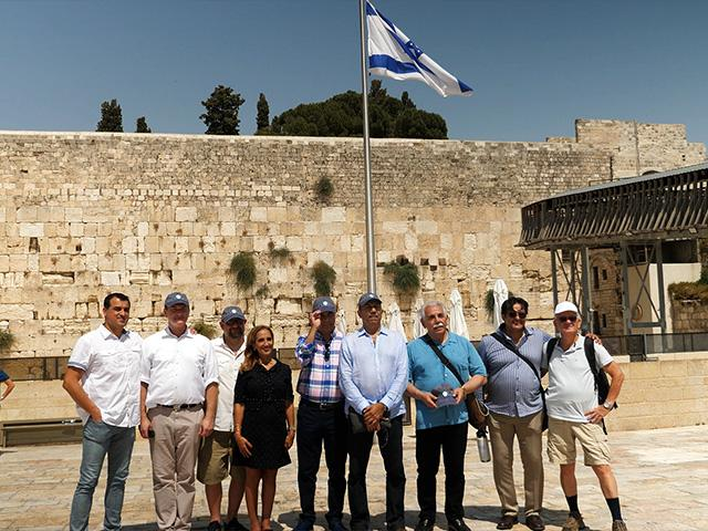 Group of Iranian Ex-patriots Bring Vision of Peace to Israel