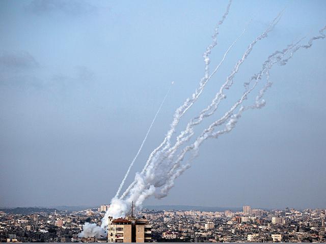 Hamas Fires Dozens of Rockets Deep into Israel, Escalating Tensions