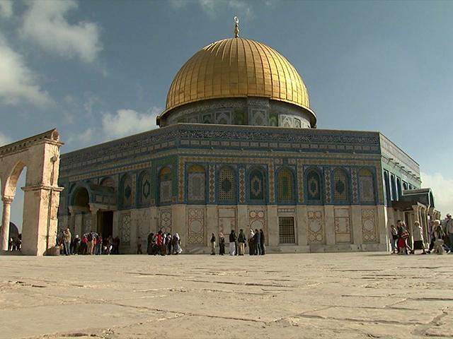 Jew Detector: Israel Removes Metal Detectors, Security Cameras At Temple