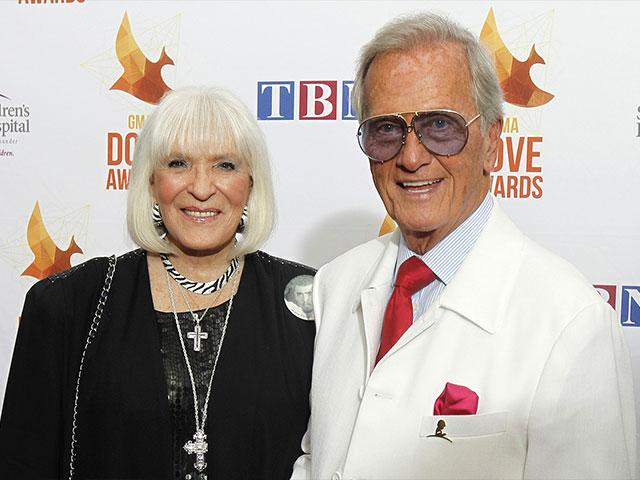 5c371688f  We Started Holding Hands the Moment We Met   Pat Boone s Touching Tribute  to His Wife Shirley Boone