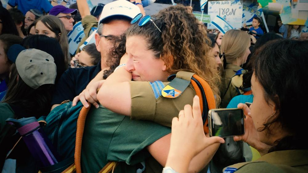 American, Canadian youth make aliyah to Israel