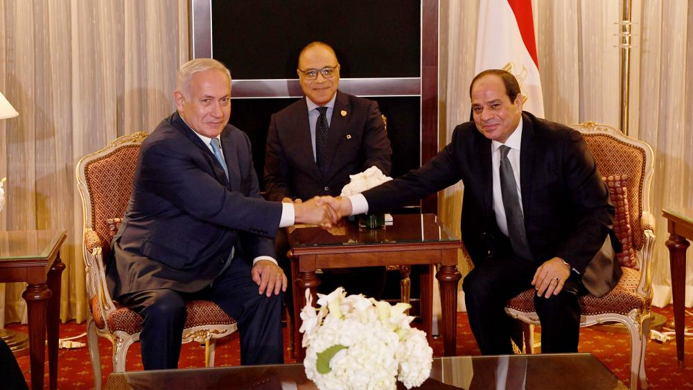 Israeli Prime Minister Benjamin Netanyahu and Egyptian President Abdel Fattah el-Sisi meet on the sidelines of the UN General Assembly, Photo, GPO, Avi Ohayon