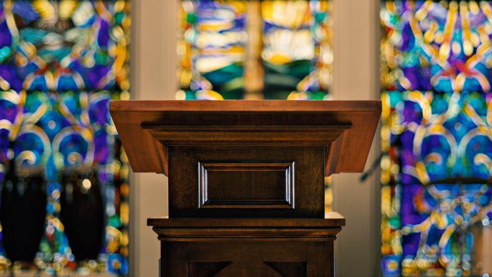 churchpodiumas
