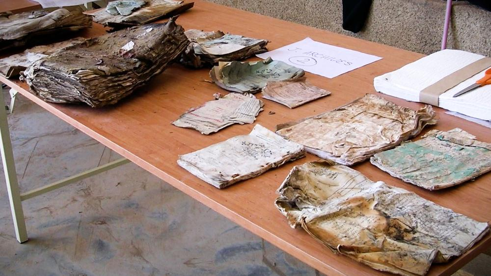Iraqi Jewish Archives Burned Books