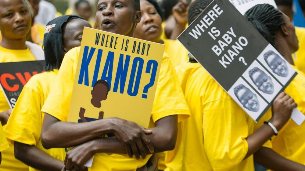 Protesters rally for Kiano to be reunited with his legal guardians, Matt and Daisy Mazzoncini