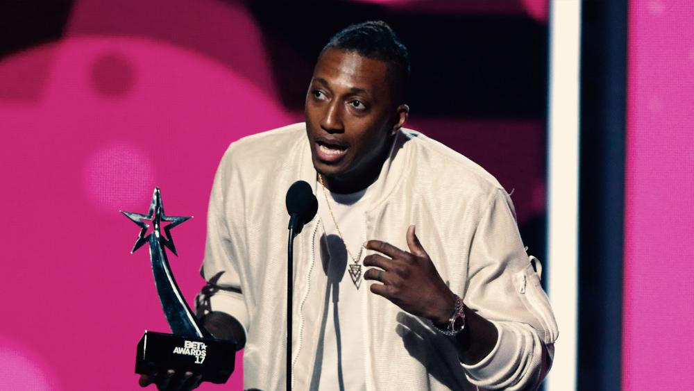 Lecrae Looks Back on Controversial, 'Exhausting' Year | CBN News