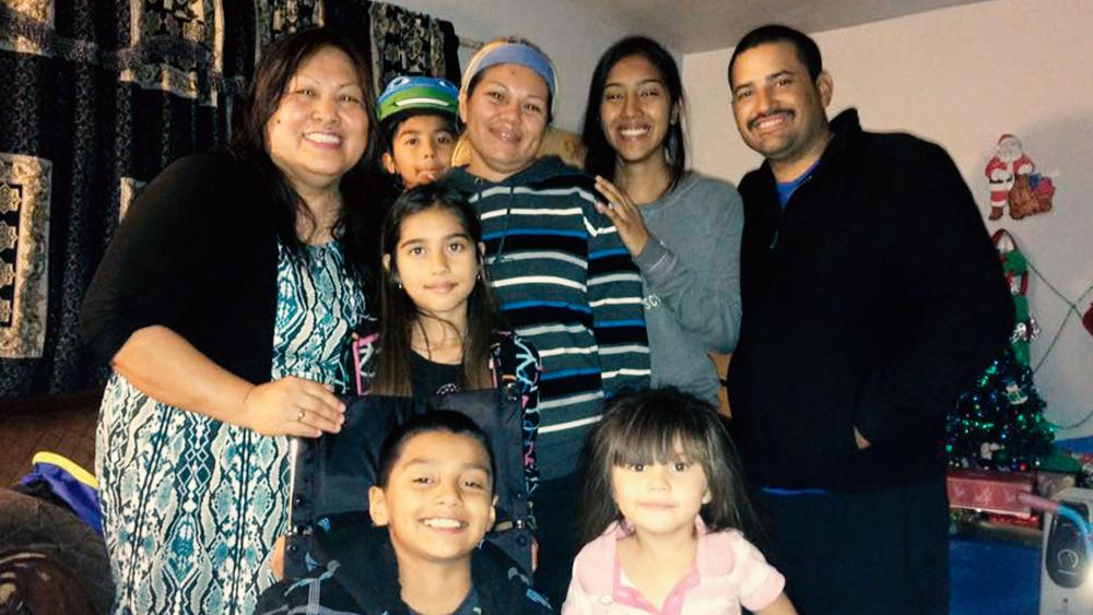Leonel, 9 year old boy and family