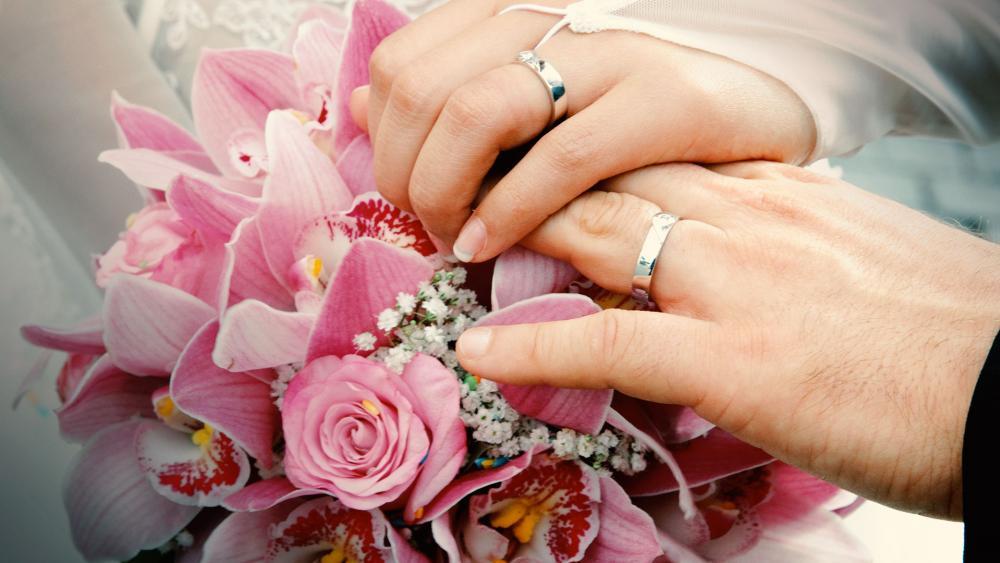 marriageweddingbouquethandsas