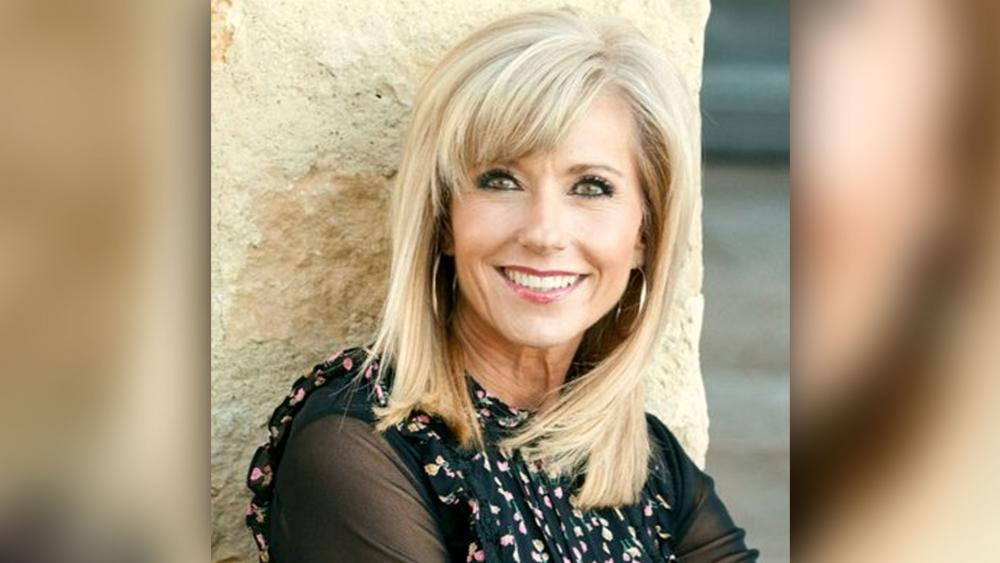 Key Pastors Affirm, Even Apologize to Beth Moore | CBN News