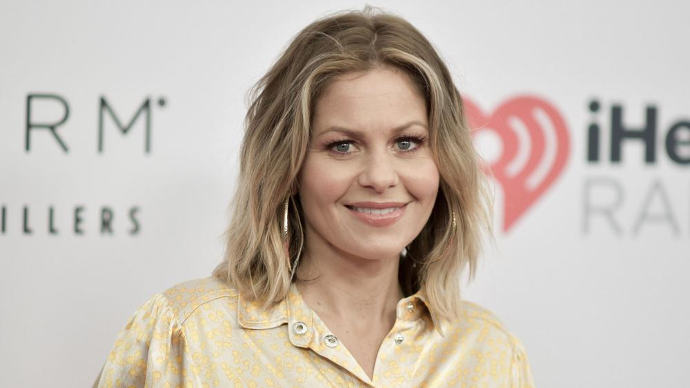 Candace Cameron Bure Joins the Salvation Army to Help Needy Families this Holiday Season