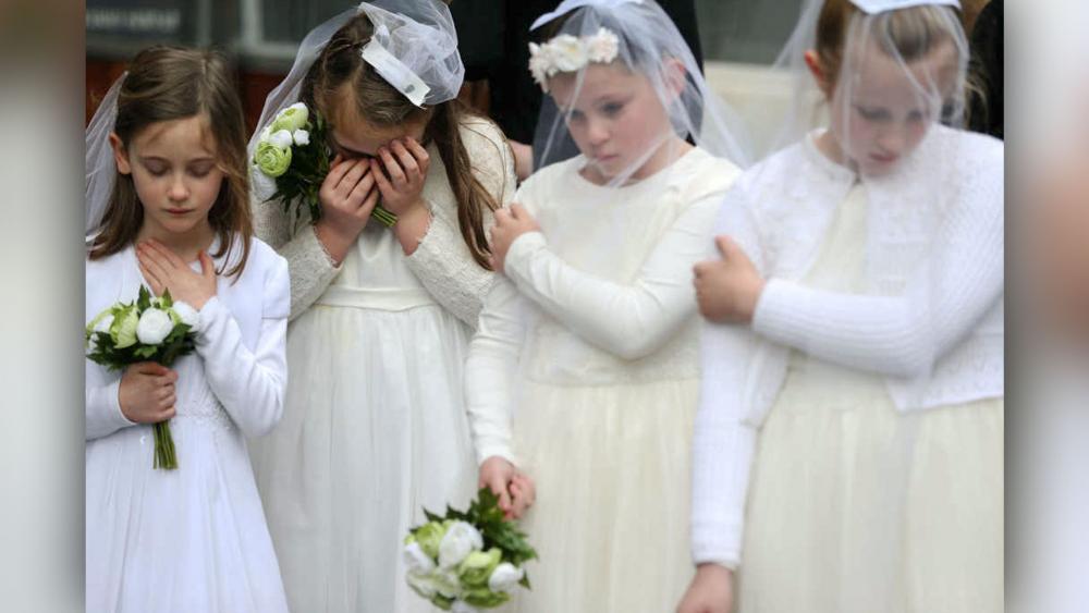 Rüyada Nikahta Çok Güzel Gelinlerin Oynadığını Görmek