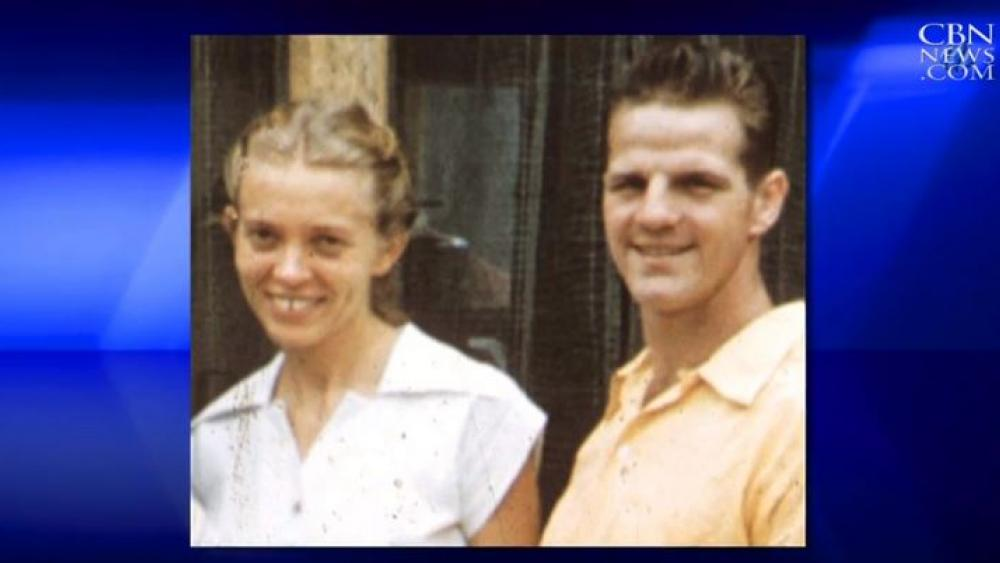 Elisabeth and Jim Elliott. Jim was killed  killed in 1956 by Waorani tribal members while he and four other missionaries attempted to reach them with the Gospel. (Image courtesy: CBN News)