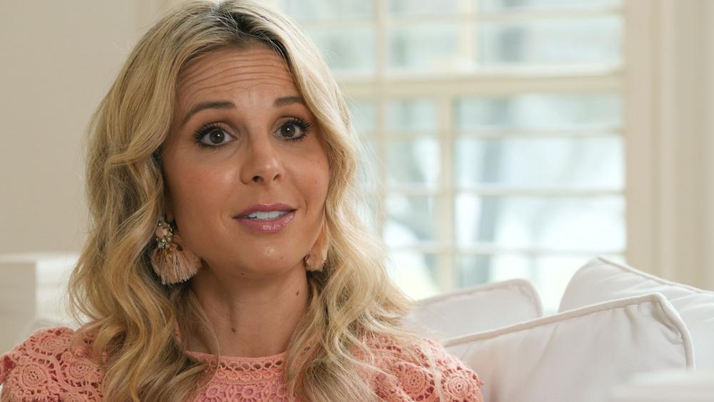A Recovering Right A Holic Elisabeth Hasselbeck Reflects On The View And What Led Her To Leave Fox News Cbn News