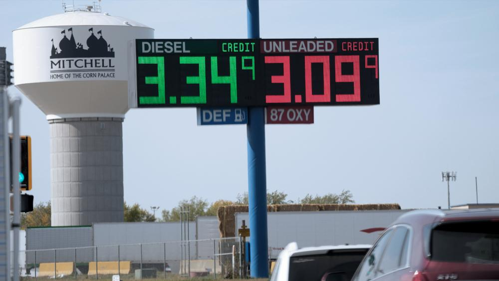 Oil and Gas Prices Spike to Highest Level in 7 Years, America Now Paying an Extra 0M Per Day at the Pump