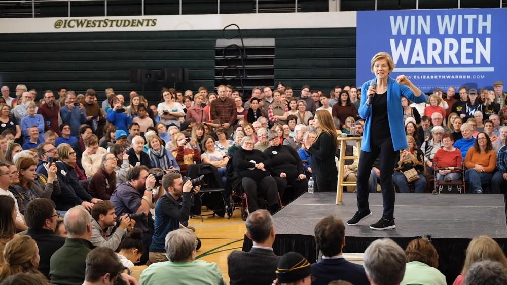 Sen. Elizabeth Warren campaigns in Iowa (Photo: screen capture)