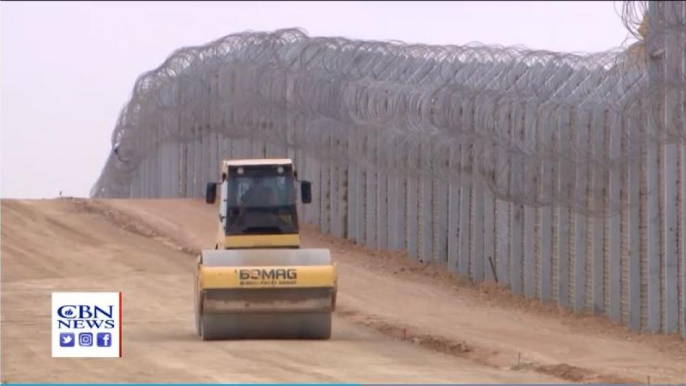 Israel's current barrier on its southern border. (Image credit: CBN News Jerusalem Bureau)