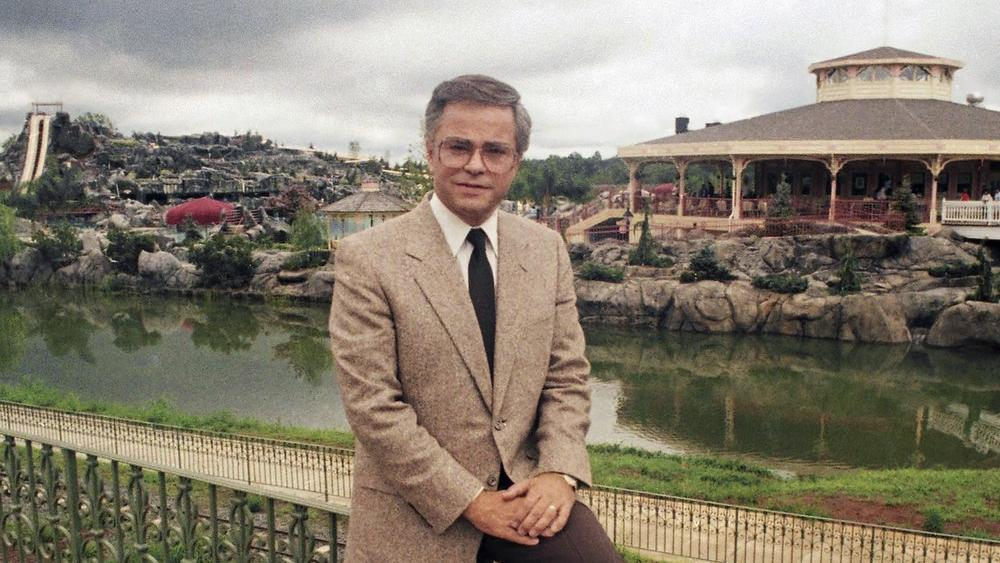 Televangelist Jim Bakker Recovering at Home After Stroke, Wife Says thumbnail