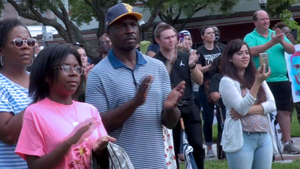 "Christians unite for ""One Heart Community & Faith Rally"" in Lakeland, FL (Image: screen capture)"