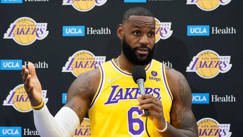 LeBron James Is Vaccinated but Says Everyone Should be Able to Make rheir Own Choice