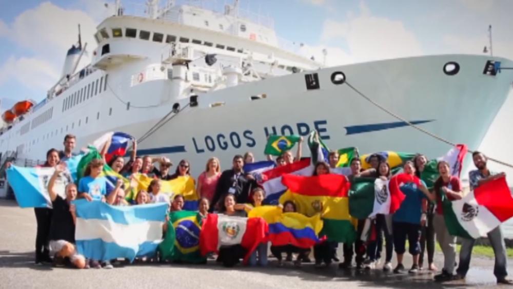 La Biblioteca Flotante Cristiana Más Grande Del Mundo Impactó Ecuador
