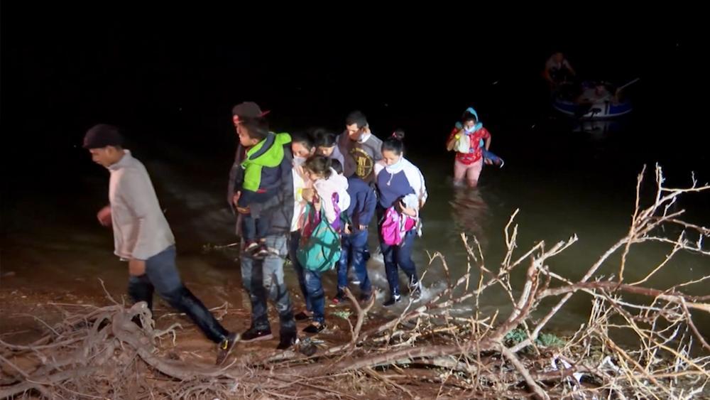 Migrants Crossing the Rio Grande River into the US