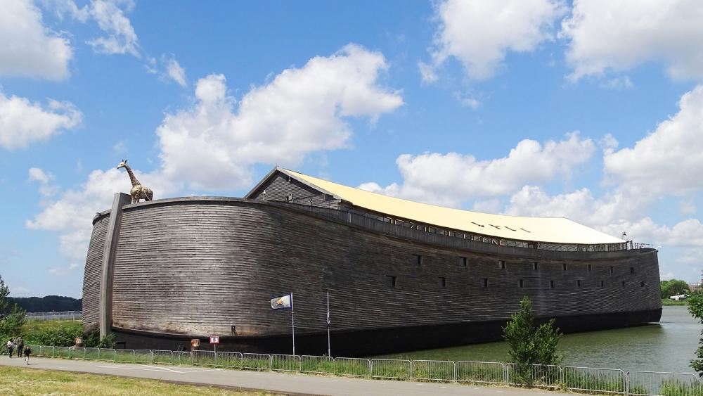 Builder of Noah's Ark Replica Hopes to Sail it to Israel ...