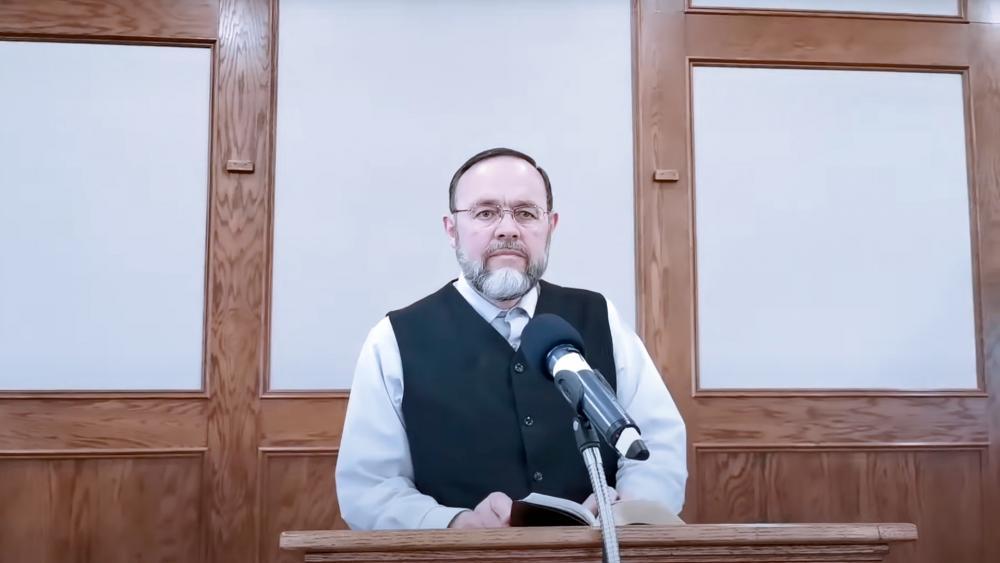 Image Source: YouTube Screenshot/Pastor Henry Hildebrandt