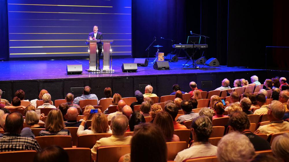 Joel Rosenberg at the EpiCenter Prayer Summit in Jerusalem, Photo, CBN News, Jonathan Goff