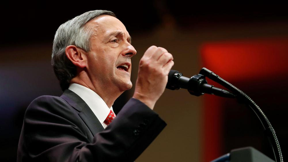 Rev. Robert Jeffress, of the First Baptist Church in Dallas, speaks as he introduces President Donald Trump during the Celebrate Freedom event on July 1, 2017 (AP photo)