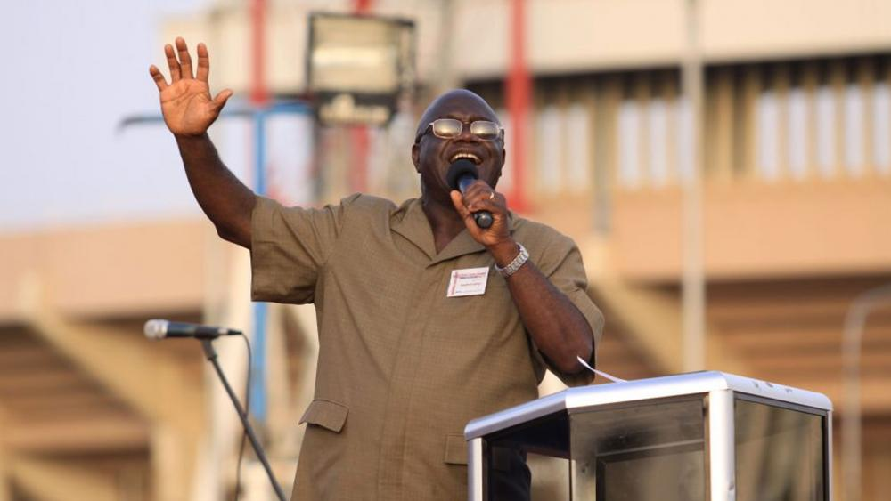 Known as the 'Billy Graham of Africa', Evangelist Stephen Lungu Dies of Complications from COVID-19 thumbnail