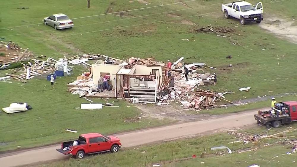 Nashville Churches Hold Sunday Service Following Deadly Tornadoes