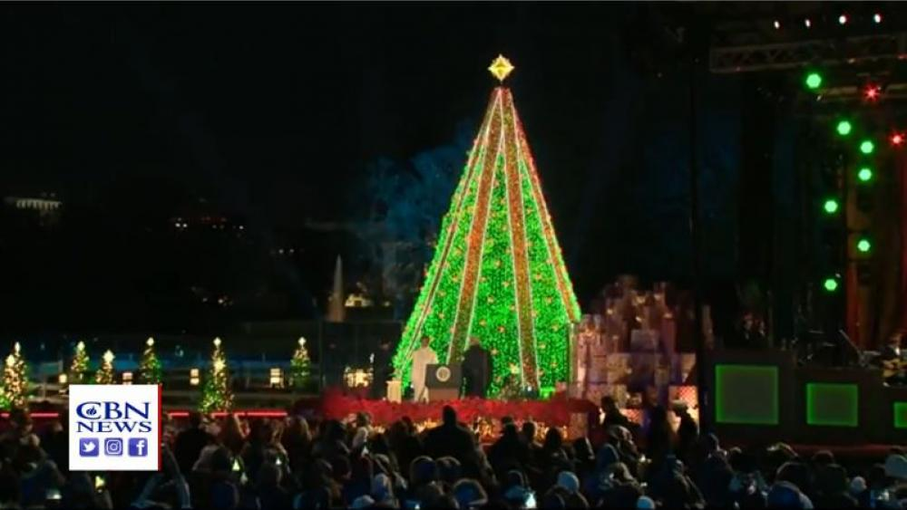 Trumps Light National Christmas Tree South Of White House Cbn News