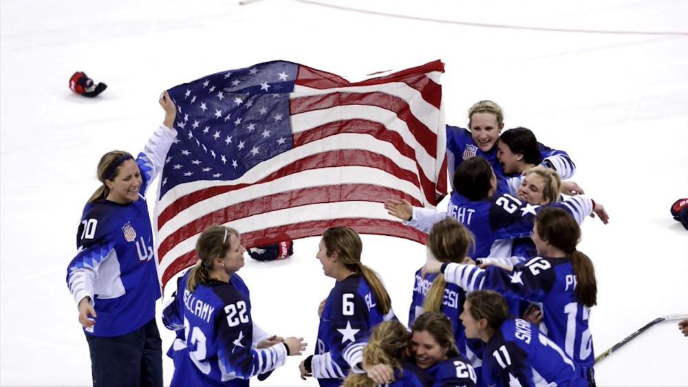 Women's Hockey Win