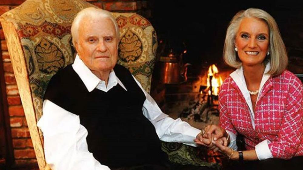 Anne Graham Lotz with her father, evangelist Billy Graham before his death in 2018
